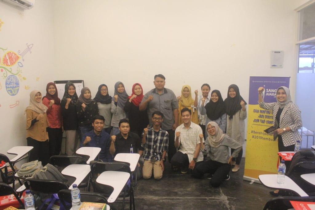 alumni bimbel surabaya sang juara school